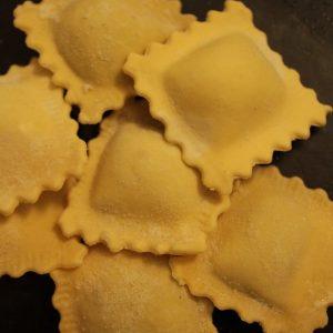 ravioli zucca amaretti mostarda